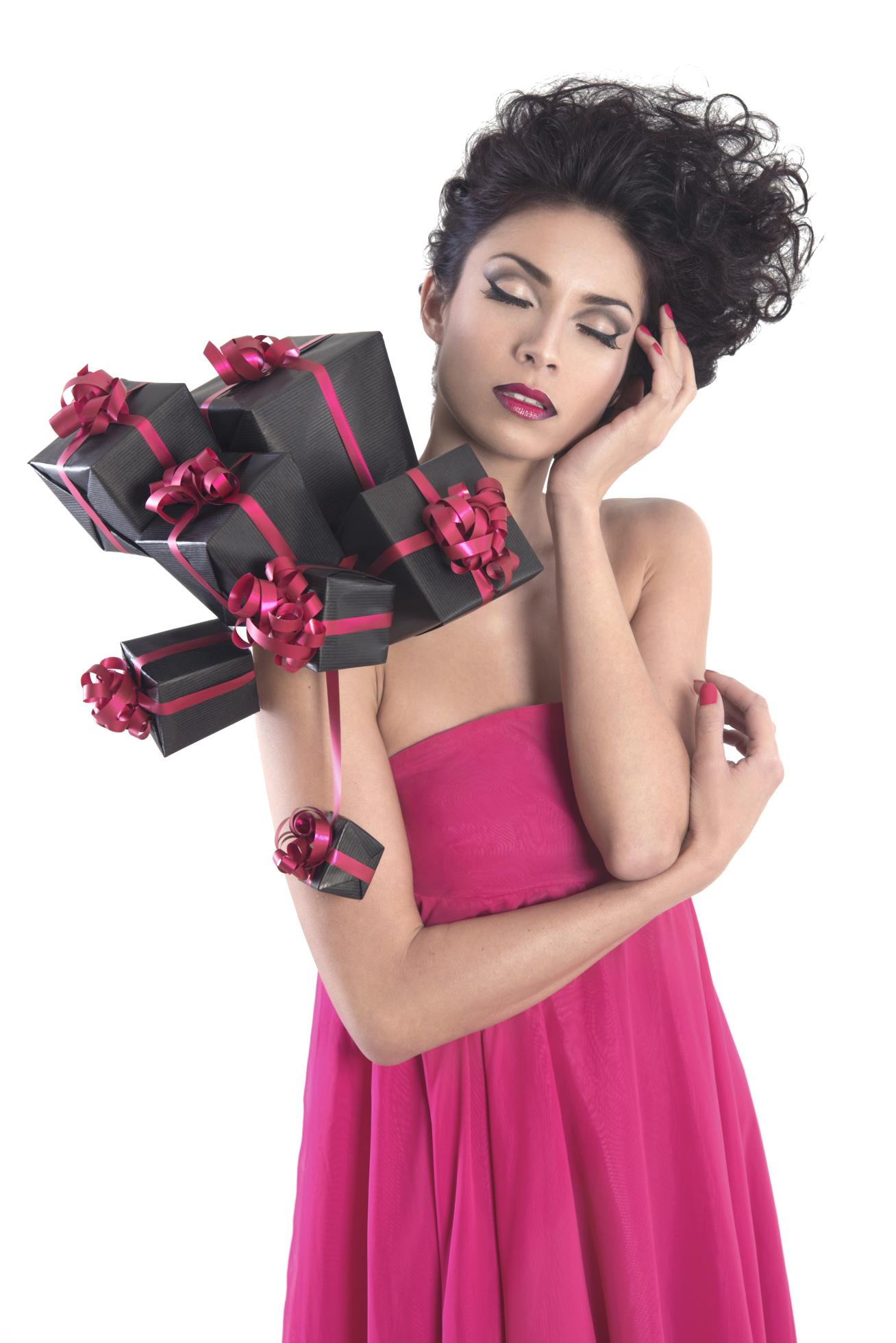Be my Valentine Photographe © Yann Malotti - Assistante © Alexandra Vallegant - Coiffeuse © Sylvie Pastore - Mannequin : Issia - Styliste photo © Stephanie Cappellini - Stylisme © Atelier Sylphe Corsets & Stephanie Cappellini pour 13e Lune